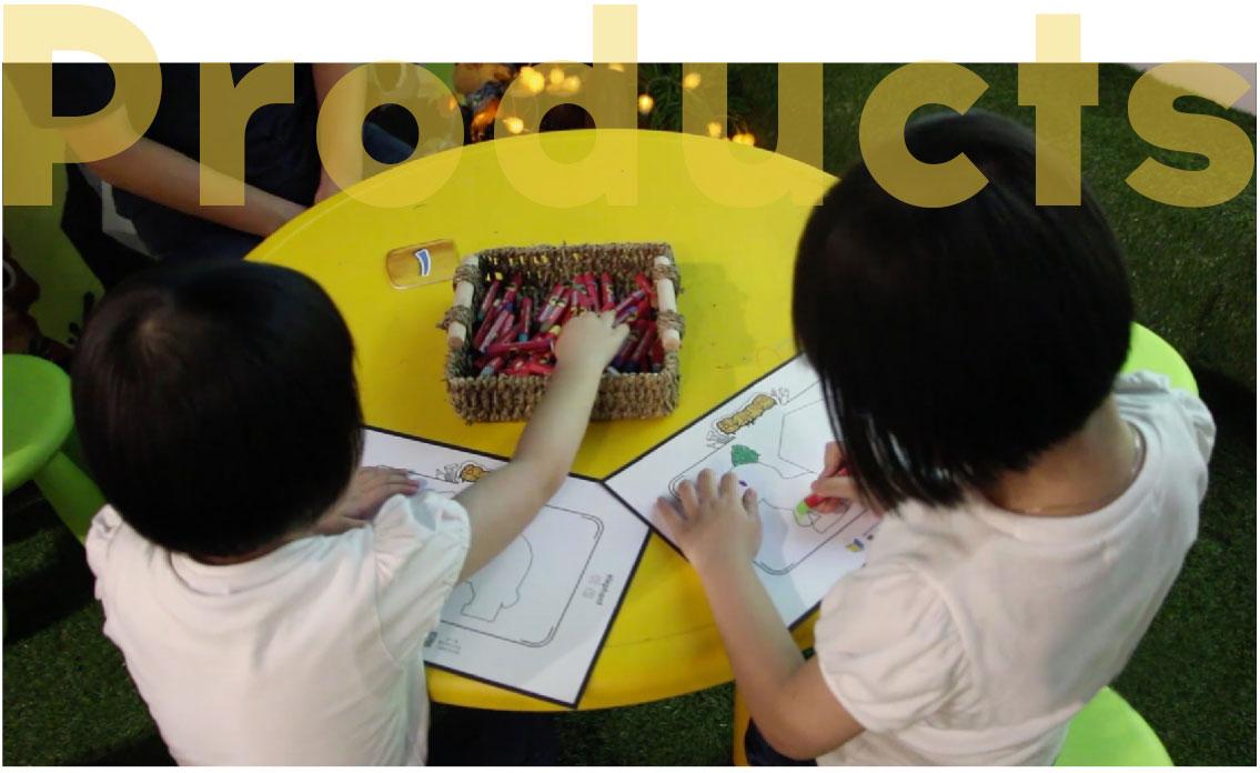 涂鸦乐园源于UV贴图技术,通过扫描的方式将平面图案套用在屏幕内的3D模型上的绘画创作类型游戏