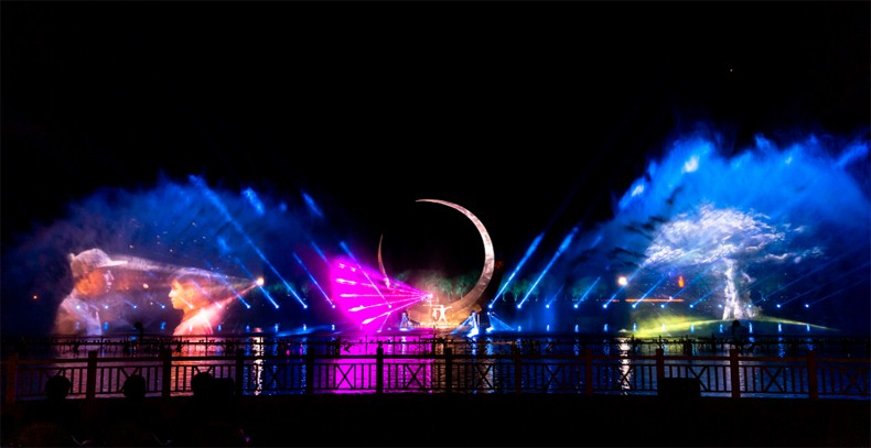 大纵湖旅游景区 投影灯光秀 打造东晋水城光影新地标